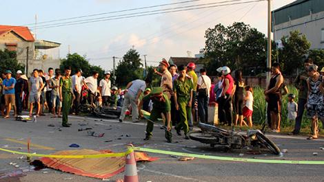 2 người tử vong, tai nạn, đối đầu, khúc cua