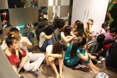 Đột kích điểm ăn chơi trong khách sạn ở Sài Gòn
