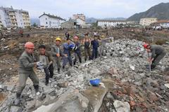 Rộ tin Kim Jong-un tặng tivi, điện thoại cho dân vùng lụt