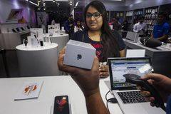 Sụt mạnh doanh thu ở TQ, Apple chuyển hướng sang Ấn Độ