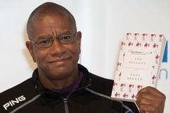 Man Booker trao giải cho nhà văn Mỹ với tác phẩm giễu nhại