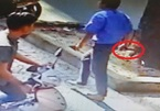 Tài xế xe buýt rút dao đâm người trên phố Sài Gòn