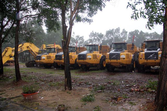 Hà Tĩnh: Dàn xe gần 80 tỷ đồng bị... 'vứt xó'