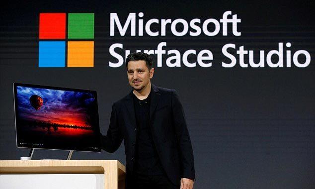 Microsoft ra mắt mẫu PC đầu tiên