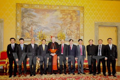 Thứ trưởng Ngoại giao thăm Tòa thánh Vatican