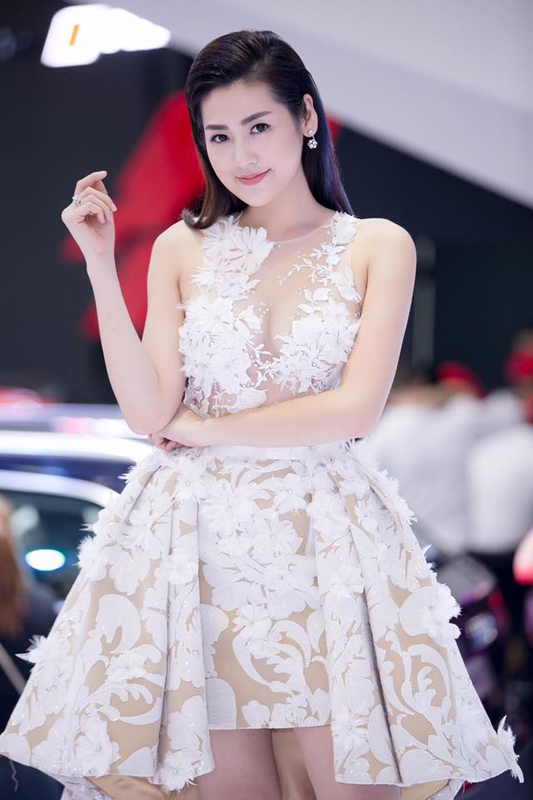 Noo Phước Thịnh, Tú Anh, á hậu Tú Anh