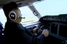 Kim Jong-un lái máy bay