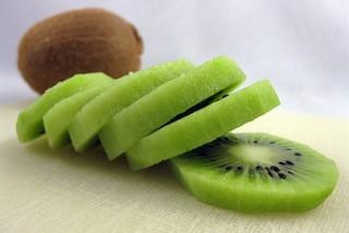 Trái kiwi Trung Quốc để 5 tháng vẫn tươi ngon