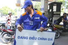 Xăng dầu, y tế kéo giá cả tháng 10 tăng 0,83%