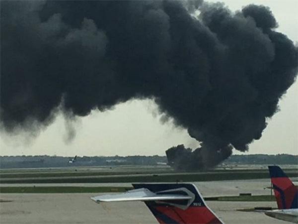 Mỹ, Chicago, máy bay, bốc cháy, hỏa hoạn, đường băng