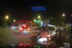 Lừa cảnh sát giao thông, tài xế tăng ga bỏ chạy
