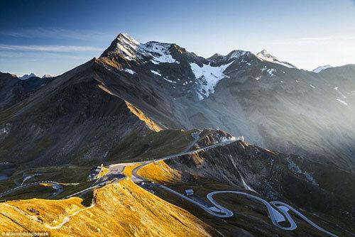Chiêm ngưỡng con đường đẹp nhất châu Âu