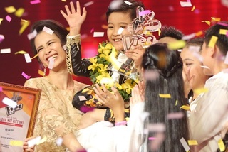 Học trò Đông Nhi đăng quang Giọng hát Việt nhí 2016