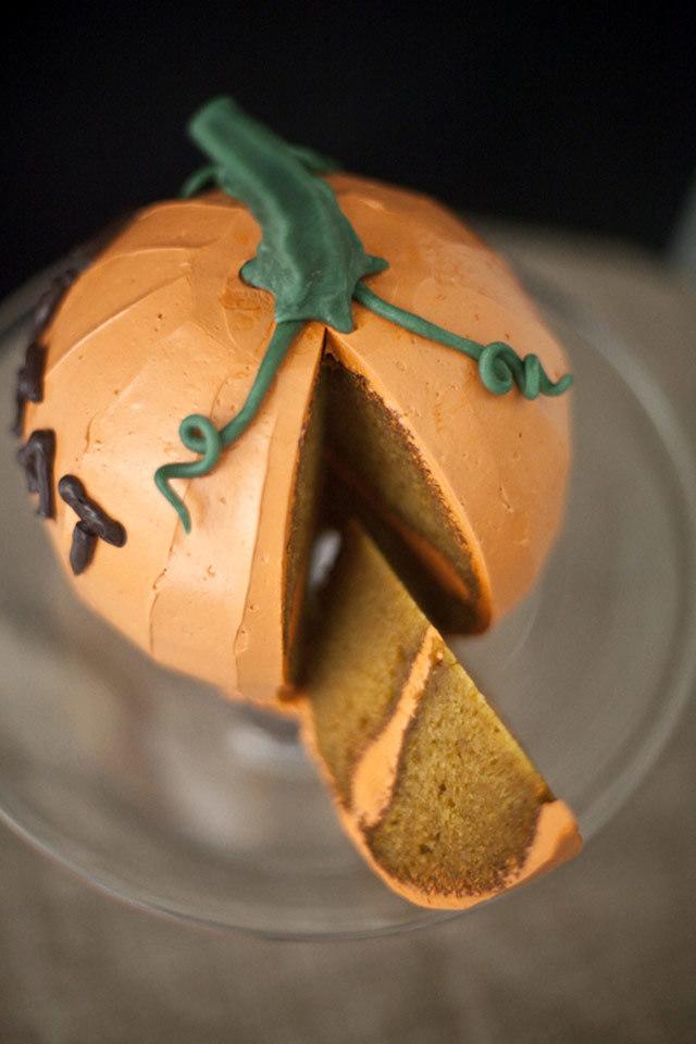 Mách mẹ cách làm bánh bí ngô chiêu đãi bé ngày lễ Halloween