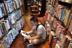 Dân phố đọc sách