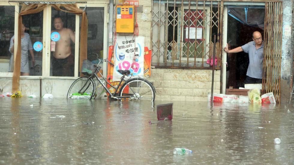 lũ lụt, ngập lụt, thuốc trị bệnh thông thường