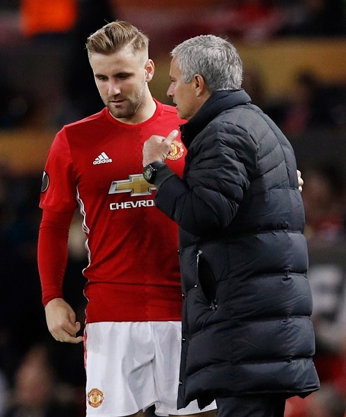 Sao MU phản ứng việc Schweinsteiger được Mourinho gọi lại