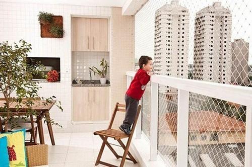 thiết kế ban công, thiết kế ban công an toàn cho trẻ nhỏ, làm rào chắn ban công