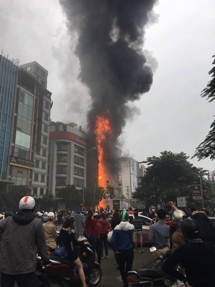 Hà Nội, cháy quán karaoke