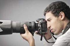 Chụp ảnh khỏa thân cho khách, nguy cơ mắc tội môi giới mại dâm