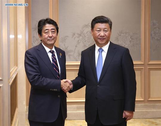 """Nhật Bản """"chỉ mặt gọi tên"""" Trung Quốc"""