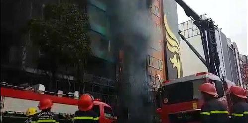 cháy quán karaoke