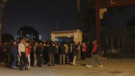 Cháy quán karaoke: Đêm giá buốt trước nhà tang lễ