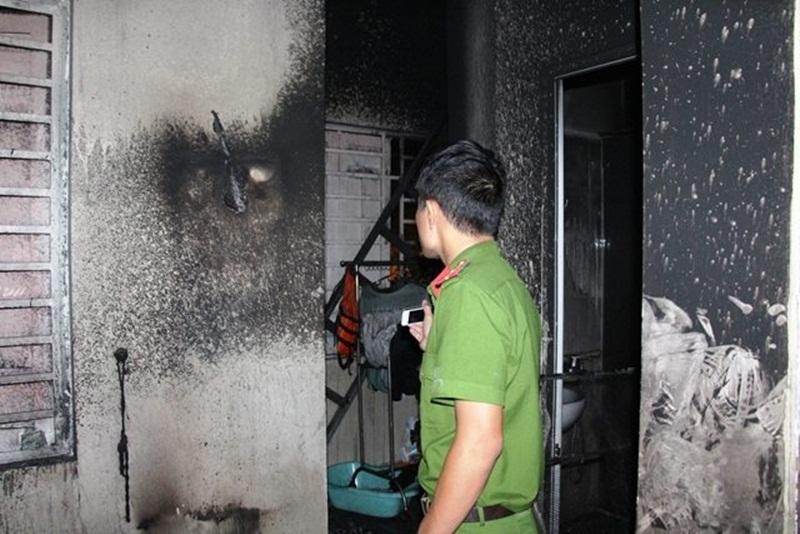 Đà Nẵng: Đổ cồn tự thiêu, kéo vợ con chết chung