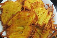 Cách làm bánh khoai lang giòn rụm, ăn mãi không chán