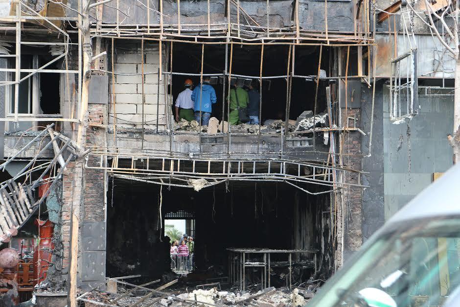 Cháy lớn 13 người chết: Chủ quán karaoke phớt lờ yêu cầu