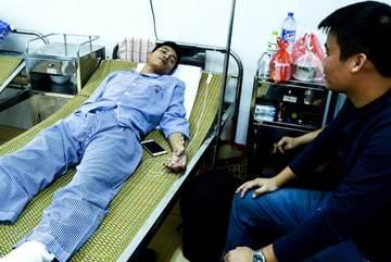 Giảng viên phòng chữa cháy bị thương khi tham gia cứu hỏa vụ cháy karaoke