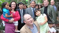 Hoàn cảnh khó khăn, tôi muốn xin làm con nuôi Việt kiều