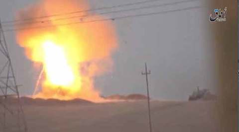 Xe tăng Mỹ nổ tung vì trúng tên lửa Nga