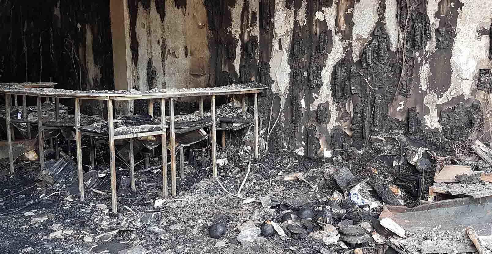 Biến dạng khủng khiếp trong quán karaoke bị cháy
