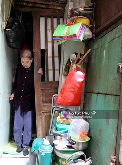 Nhà 4m2, 5 người sinh sống giữa lòng Hà Nội