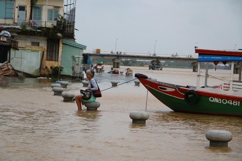 Bờ biển Hội An bị sạt lở nghiêm trọng