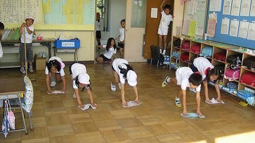 Vì sao trường học Nhật Bản gần như không có lao công?