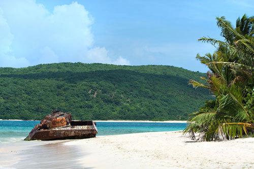 7 bãi biển hoang sơ nổi tiếng nhất thế giới