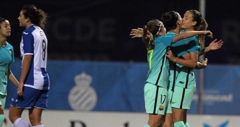 Nữ cầu thủ Barca solo ghi bàn không kém Maradona, Messi