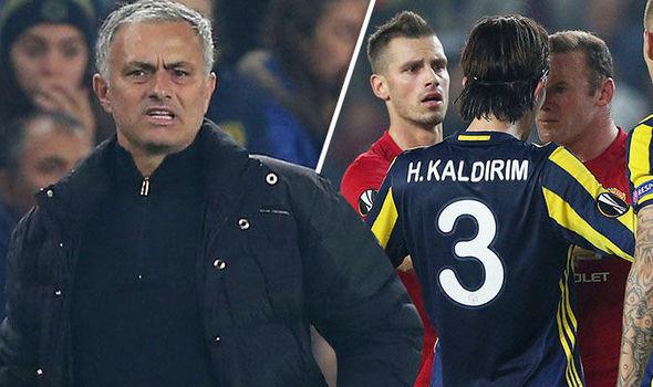 Cuộc tình Mourinho vs MU: Bóng tối sợ hãi