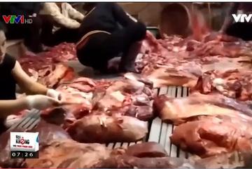 Thịt bò, xương bò quăng xuống đất được đem thẳng quán phở gia truyền