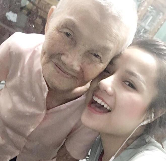 Bà ngoại 100 tuổi 'hiến kế' giúp cháu gái sớm lấy chồng
