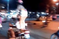 1 phút bốc đồng khi đi xe máy, cô gái đã phải nhận cái kết đắng