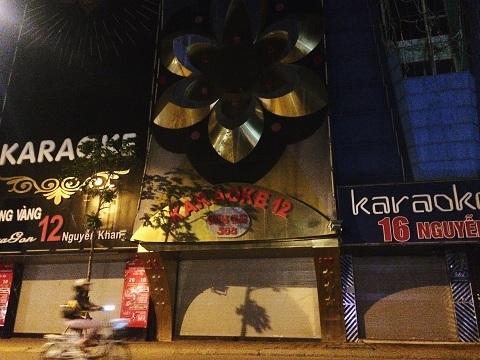 Cháy quán karaoke: Lấy đâu ra cửa thoát hiểm?