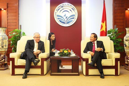 Bộ trưởng Trương Minh Tuấn tiếp Đại sứ Australia tại Việt Nam