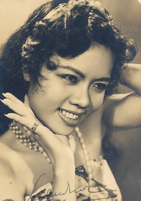 Ảnh thời trẻ của 'sầu nữ' Út Bạch Lan