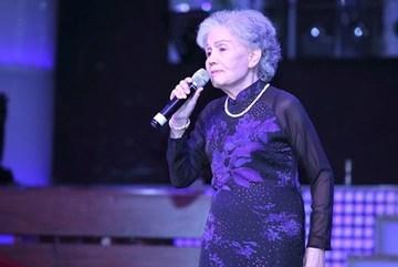Xúc động khi nghe lại tiếng hát của nghệ sĩ Út Bạch Lan