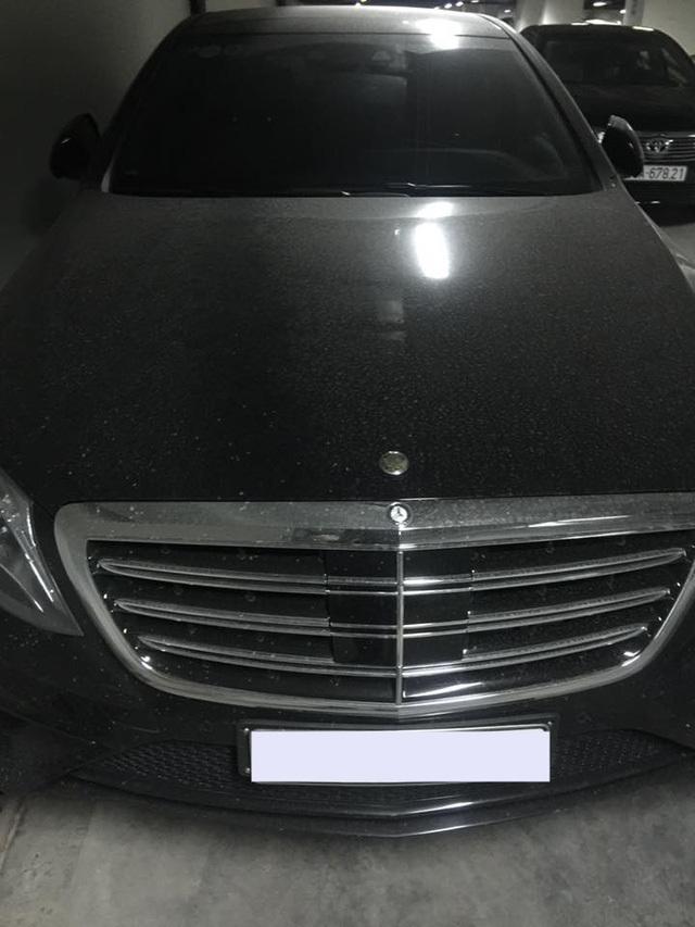 Xót xa Mercedes  gần 13 tỷ bị 'hắt hủi' tại Hà Nội