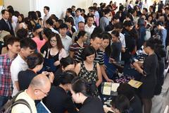 Đổ về Hà Nội kiếm khách, gọi tiền: Dân giàu 'ngột thở'
