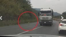 Hình ảnh quá đáng sợ xuất hiện trên quốc lộ Việt Nam